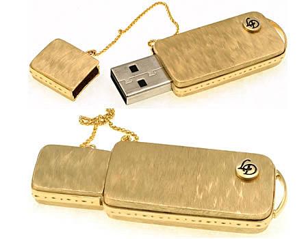 Nên mang theo USB để kiểm tra laptop