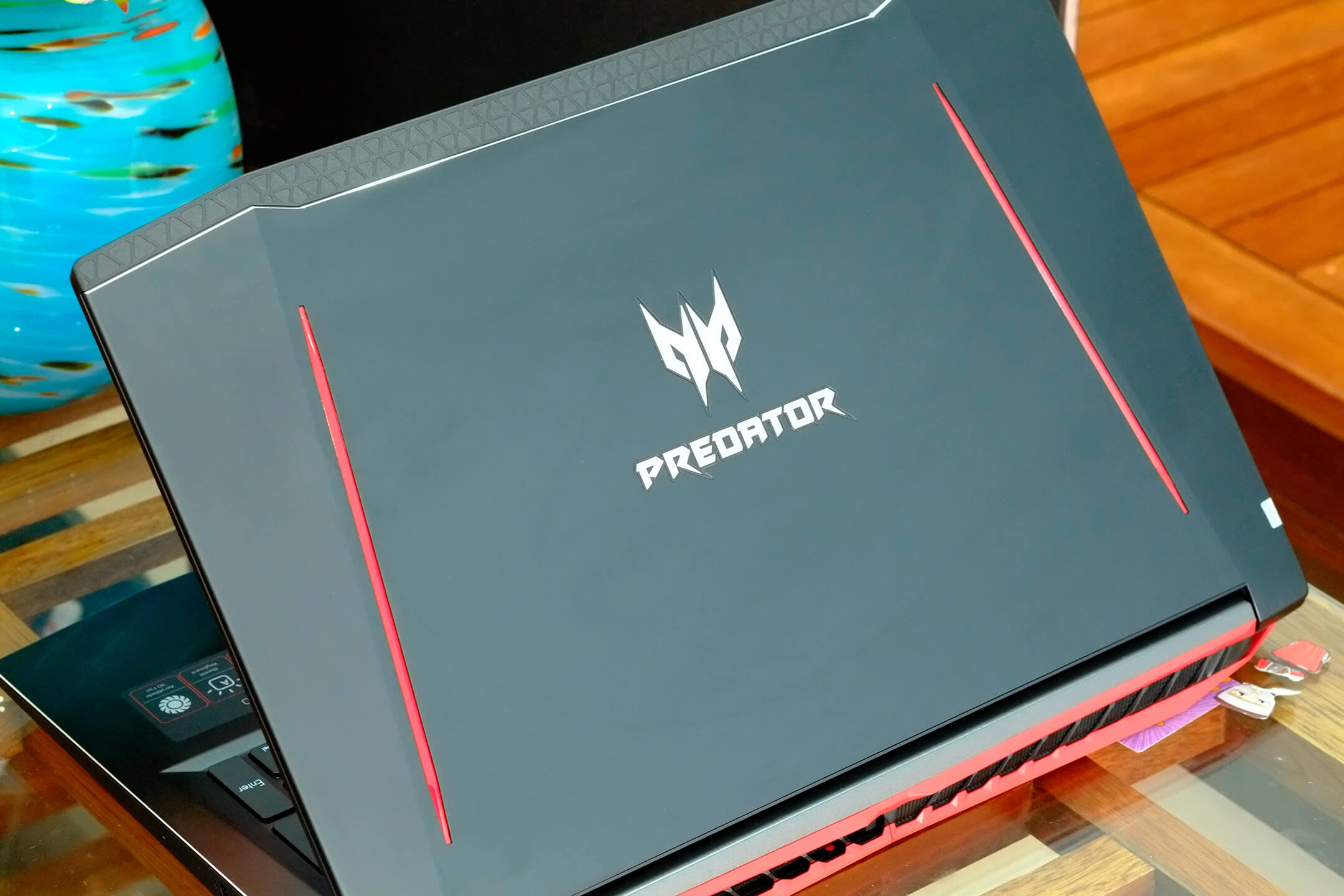 Acer Predator Helios 300 001