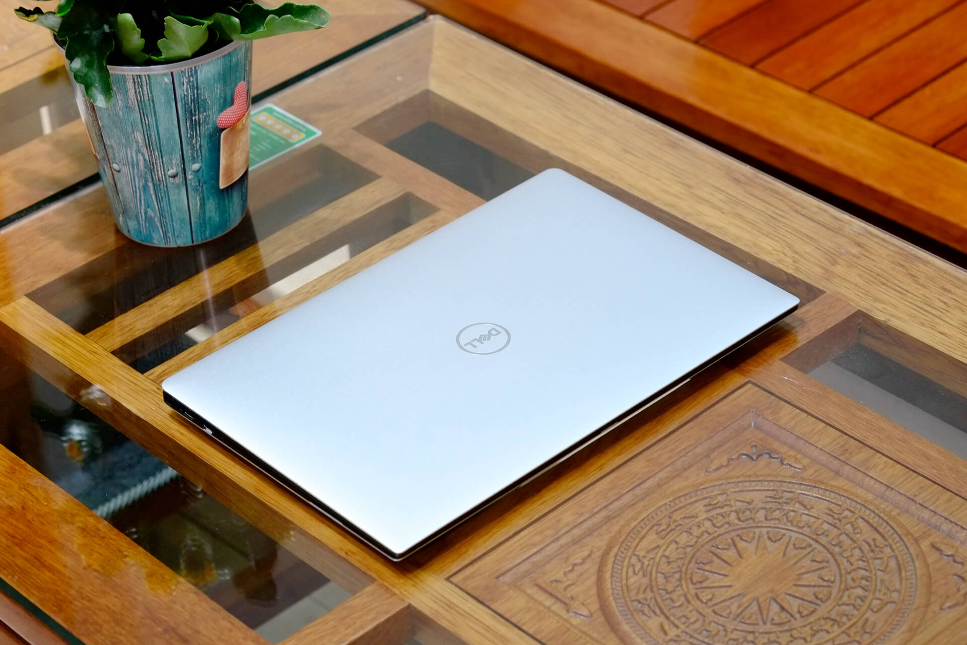 Dell Xps 9370 1