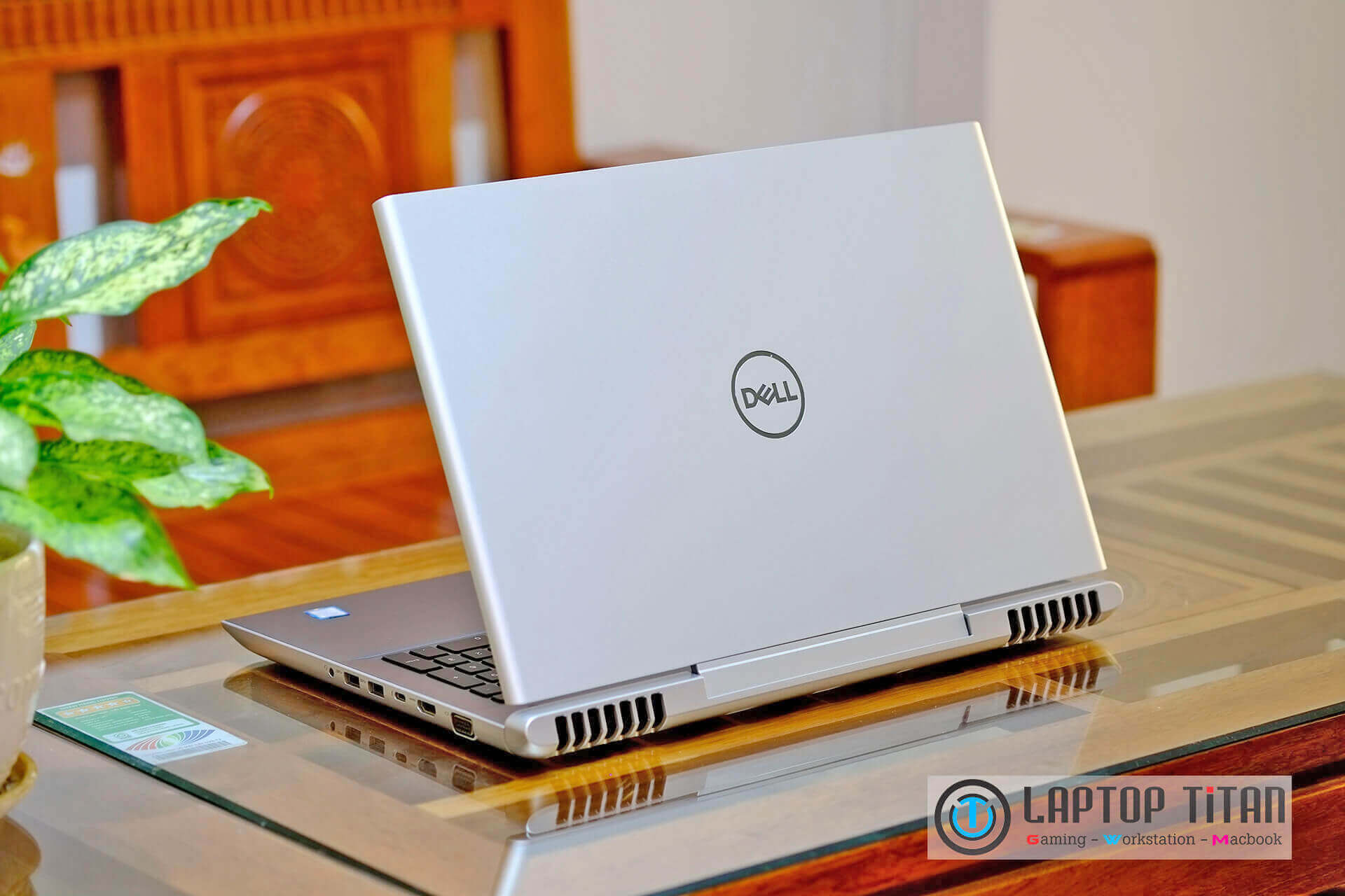 Dell Vostro 7570 Core i7 7700HQ / 8GB / 256GB + 1TB / GTX 1050Ti 4GB / 15.6-inch FHD
