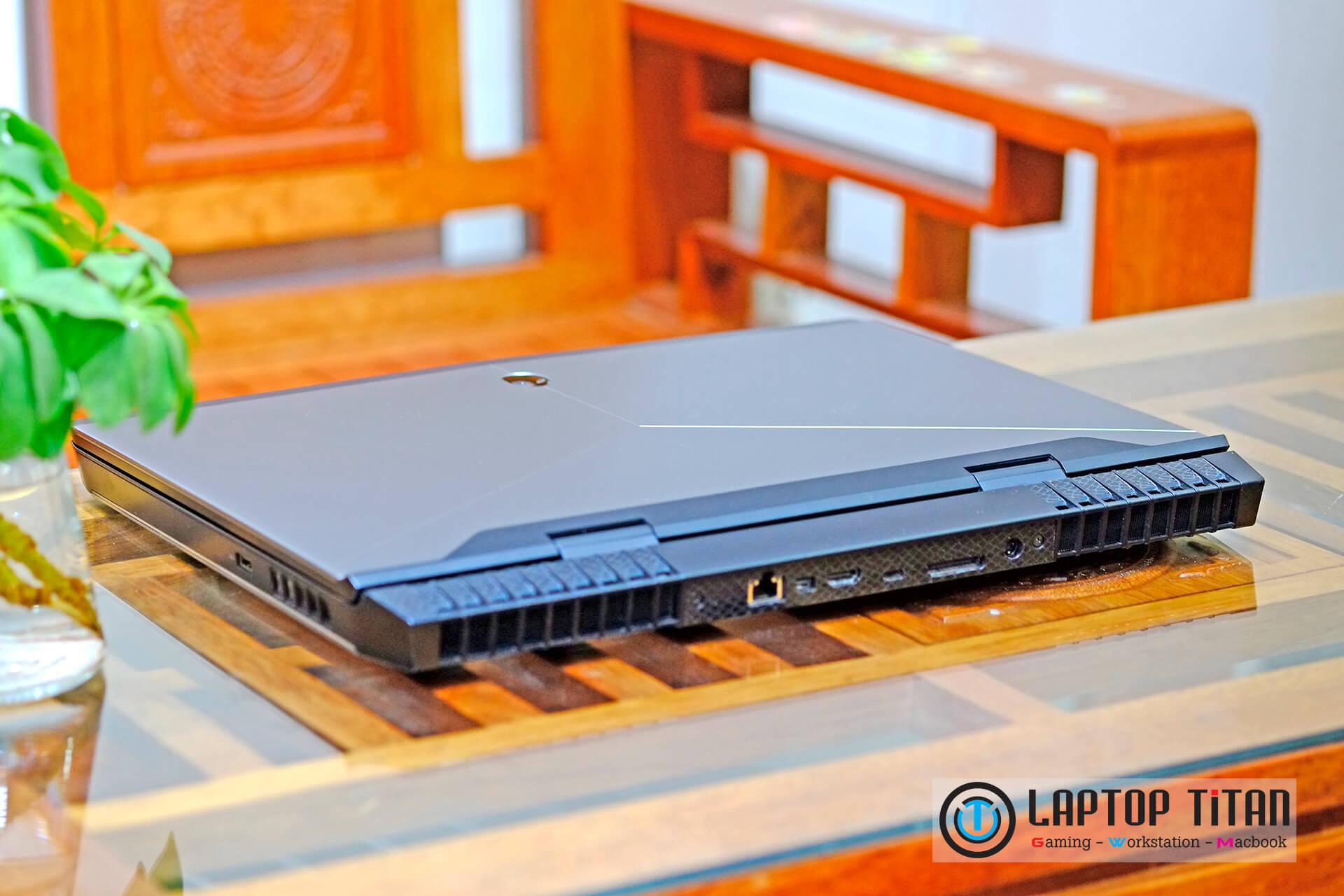 Dell Alienware 17 R4 Laptoptitan 0011