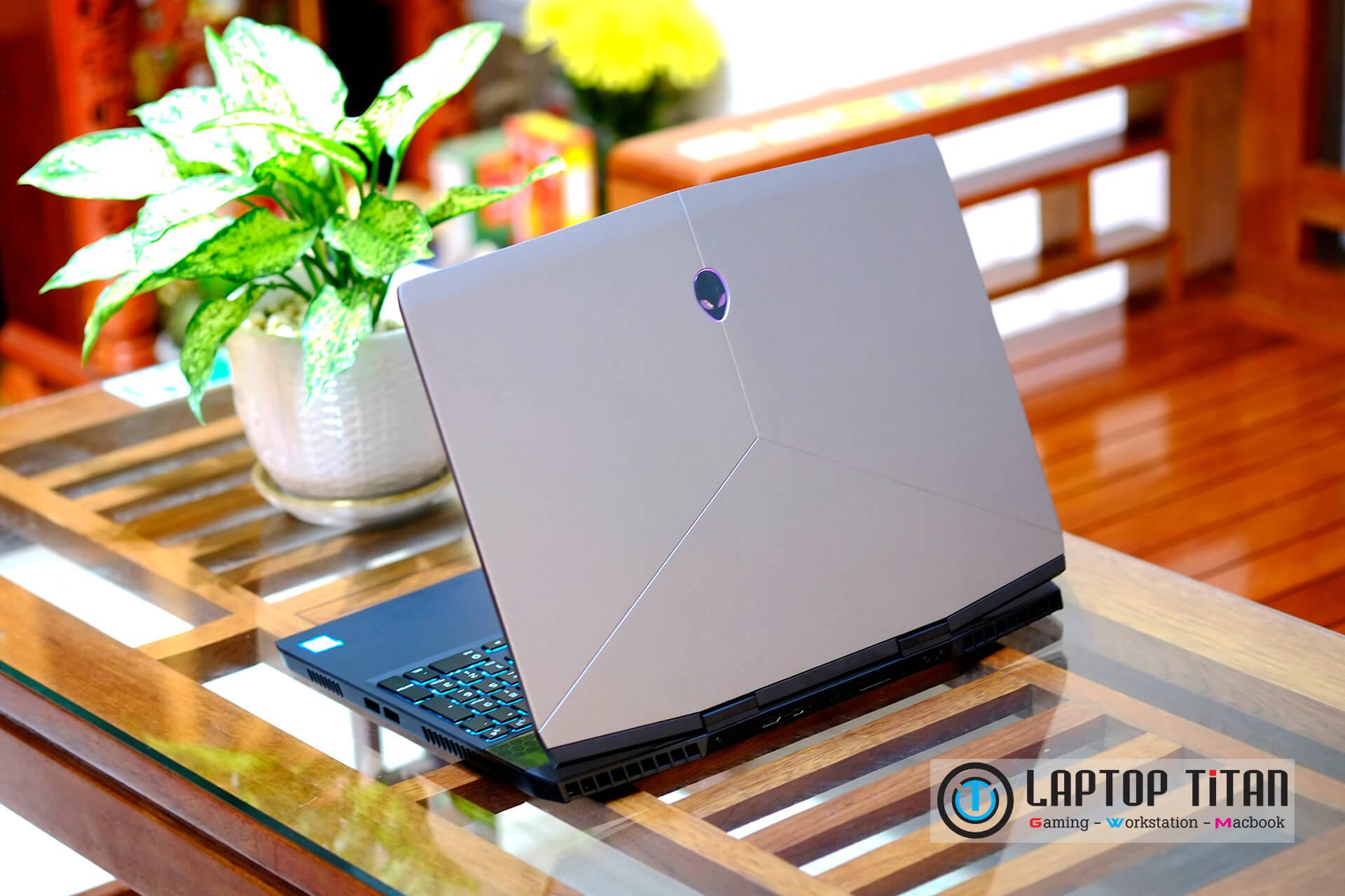 Dell Alienware M15 R1 04