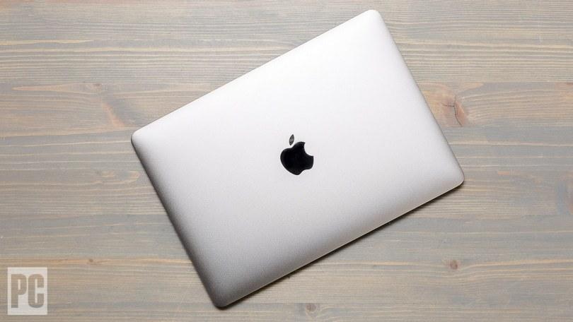 Nen Chon Macbook Pro Hay Macbook Air 2021 1